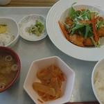 一般食堂 - 料理写真:油淋鶏定食600円