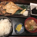 桃源郷 - 金目鯛の開き干し焼き定食@890円
