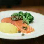 ビストロ プーフェ - 厚切り! タスマニア産サーモンのマリネ demi☆