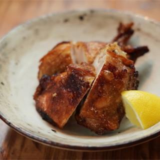 夏は揚げ鶏・冬は水炊き。店主こだわりの鶏料理を是非ご賞味あれ
