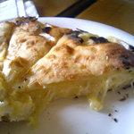 1064774 - チーズナン2ショット目・・・中からとろ~りまろやかチーズ