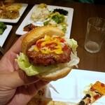 グランドブッフェ - 楽しい♪自分でこしらえるハンバーガー