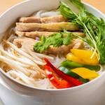 アジアン スターズ キッチン - ベトナムフォー