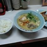 106403207 - 餃子定食