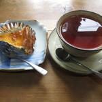 雪岡市郎兵衛 洋菓子舗 - 丹波黒豆のチーズケーキとダージリンティー