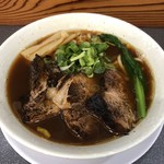 106404108 - 汁アリ 厚切り炙りチャーシュー麺♪