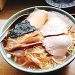 栄楽 - 料理写真:ラーメン