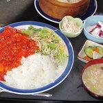 上海小町 - エビチリ定食