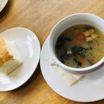 夙川 五感で楽しむイタリアン&カフェ トリニティ - お野菜たっぷりにこだわったオーガニックスープ。美味しかったです( ^ω^ )
