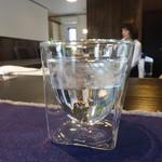 コーヒー選家巡る - 結露しない薄針の二重グラス