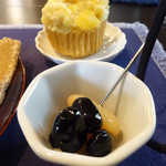 コーヒー選家巡る - サービスのお菓子