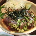 万七 - 料理写真:カツオ漬け丼