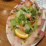 イタリアン酒場 Esto. - カルパッチョ3種盛り(フエフキ鯛、ブリ、サーモン)