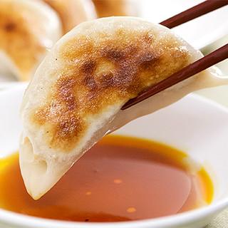 メディアでも多数紹介!焼餃子や上海風ふかひれの姿煮込み