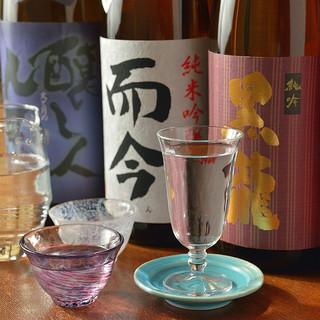 日本酒好きも唸らせる!厳選された日本酒は常時20種類以上!
