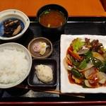 楽 - 海老の黒酢あんかけランチ 780円(税込)