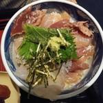 高麗橋桜花 - 海鮮丼アップ
