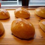 ぱんだちゃん - 料理写真:新鮮で栄養価の高い青森の「育みたまご」をたっぷりの自家炊きカスタードクリームパンは当店一番人気