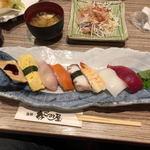 海鮮なごみ屋 - にぎり寿司(8貫)