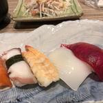海鮮なごみ屋 - タコ、エビ、イカ、マグロ