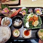 10646222 - 寒ブリ入り七種刺身とブリ大根,カキフライ御膳(ご飯大盛り)