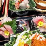 10646251 - 寒ブリ入り七種刺身とブリ大根,カキフライ御膳