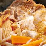 霜降りハーブ豚の豚キムチ釜飯