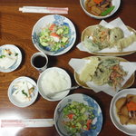 むら家 - 料理写真:これに、そば、アイスクリームかコーヒー、紅茶が付いて、・・・なんと1000円、・・・CPは良い。