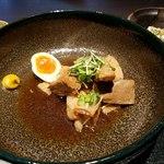 赤坂かこい 別邸 彩華 - 丼が大きく周りはスカスカ