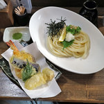 106496325 - ぶっかけうどんwith海老と野菜天ぷら付き