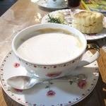 ドリプレ・ローズガーデン カフェ - ロイヤルミルクティ