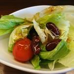 インデアン - 料理写真:ランチのサラダ