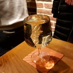 伊樽飯酒場バルバル - ガブ飲みワイン白:500円外税