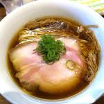 ラーメン屋 トイ・ボックス - 醤油ラーメン800円