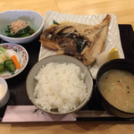 天くう - ランチ。天くう日替り定食¥900(税別)。 この日はきんめの一夜干し焼き。