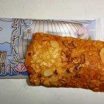 お菓子の久月 - 帆引れんこん物語:アーモンドうまいが乾燥れんこん意味なし