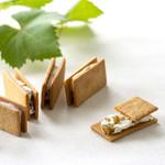 洋菓子工房 ぶどうの木 - 料理写真:代表商品の「緑のぶどうのクリームサンド」