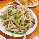 仙香園 - 牛肉とにんにくの芽炒め