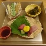 はるた - 天ぷら、お刺身、筍煮