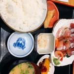 魚菜屋 - 煮魚とフライ、美味い!ご飯多い〜
