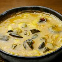スペイン食堂 石井 - エスカルゴの辛口煮込み:ブルゴーニュ風とは一味違います。ピリッとしたスペイン産パプリカが味を締めます