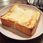 すみだ珈琲 - チーズトースト(450円)