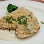 エリオ・ロカンダ・イタリアーナ - 北海道産鮭と白貝の香草パン粉焼き