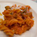 エリオ・ロカンダ・イタリアーナ - 茄子とリコッタチーズのトマトソース、フジッリ