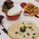 エリオ・ロカンダ・イタリアーナ - 仔牛の薄切り、アンチョビ・ツナソース