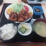 みやこ家 - チキンカツ定食(1100円)