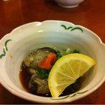 鮨金 - お通しに牡蠣