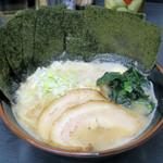 すずき家 - 料理写真:ラーメン(並)700円
