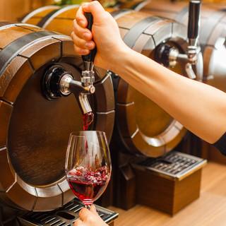 スパークリング2種、赤白各2種の樽生ワイン!
