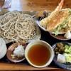 蕎麦遊 いしかわ - 料理写真:粗挽十割そば 大盛り1300円 天ぷら盛り合わせ550円